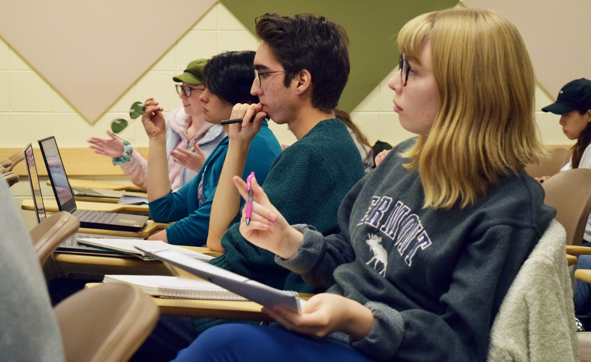 CSU English students in class